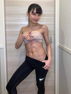 長谷川晴奈 腹筋美女 酵素ファスティング 断食 劇団4ドル50セント インスタ