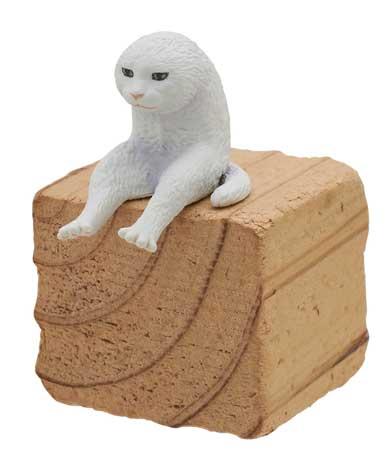 座る変な猫 キタンクラブ カプセルトイ フィギュア マスク猫 二足歩行