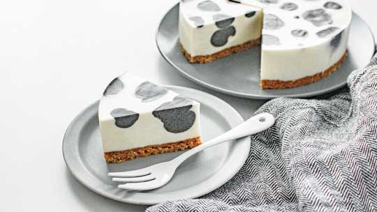 チューリップ ショートケーキ 断面 イチゴ かわいい デザイン スイーツ