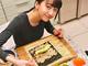 Cocomi&Koki、木村家オリジナルの恵方巻きに舌鼓 「毎年楽しみ」「とりあえず美味しいのを入れました」