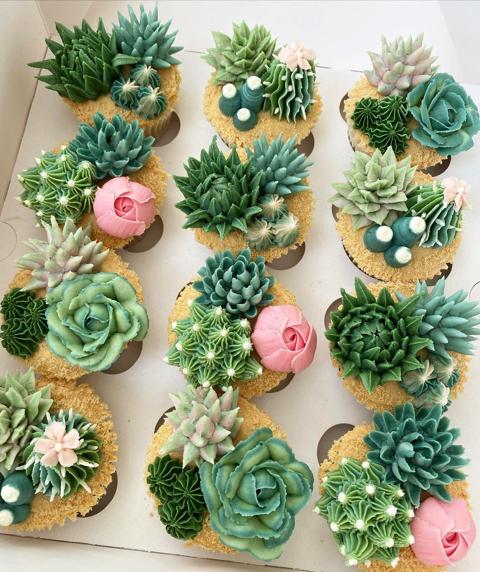 本物の花のようなカップケーキ