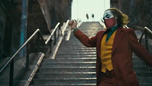 米CDC「コロナ感染拡大を抑えよう!」 マトリックスやジョーカーなど映画の名シーンでマスク着用を呼びかけ