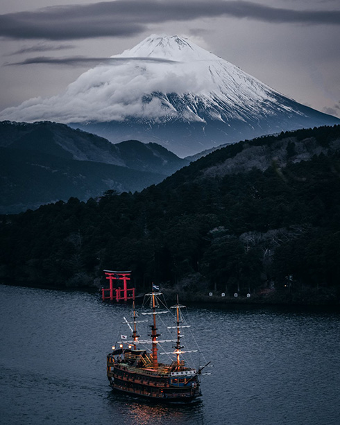 「リアルで拝んでみたい風景」 箱根から望む富士山がまるで水墨画のように美しい