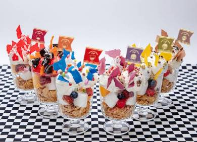 キャラクターモチーフのデザート単品 各1099円