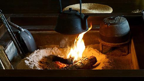 カラオケルームのテレワークBGMランキング 「暖炉」「雨の音」など自然音が首位に