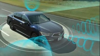 車体にはカメラやレーダー等を装備し周囲360度を検知