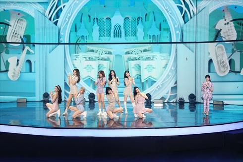 TWICE TWICE in Wonderland ナヨン ジョンヨン ツウィ チェヨン 日本公演 J.Y. Park Kura Kura Instagram