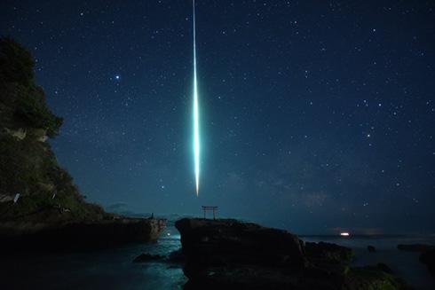 「君の名は。」みたいな隕石を撮影した奇跡的な写真がすごい