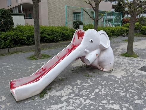 象 ゾウ 滑り台