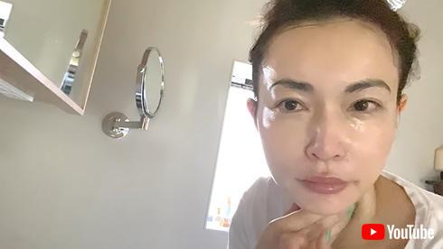 長谷川京子 インスタ 色気 背中