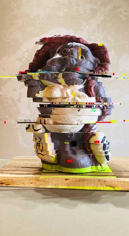 乱れ 画像 人力 再現 グリッチ タヌキ 彫刻 作品 造形
