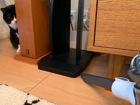 アニメ鑑賞 割り込む ボス 猫 座り方 保護猫 サブちゃん