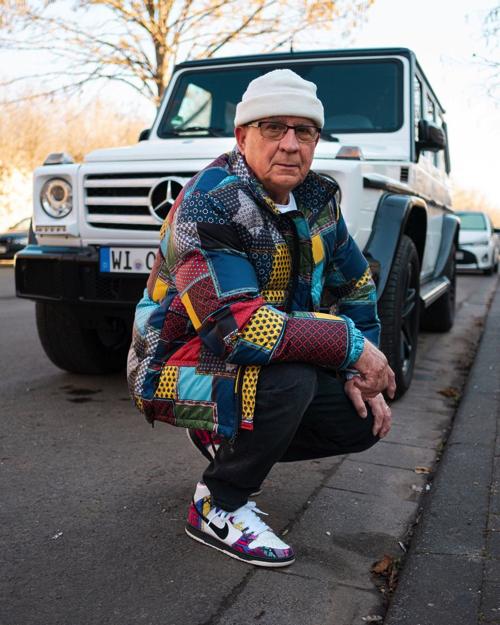 ストリートファッションがカッコいいおじいちゃん