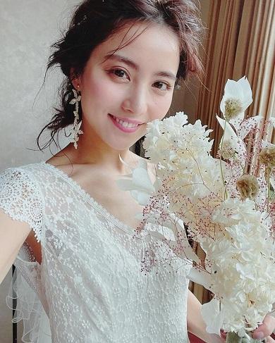 石川恋 ウエディングドレス