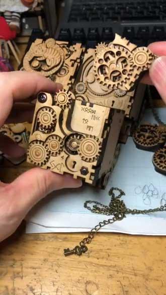 歯車 オルゴール ハンドメイド 手作り アクセサリー 作品