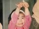 """「DNA受け継いでます」 IMALU、幼少期の写真が""""お笑いモンスター""""似 笑い誘う変顔に「血は争えないなぁ」"""