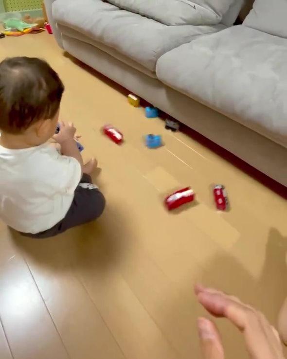 ひも ソファした おもちゃ 子ども 装置