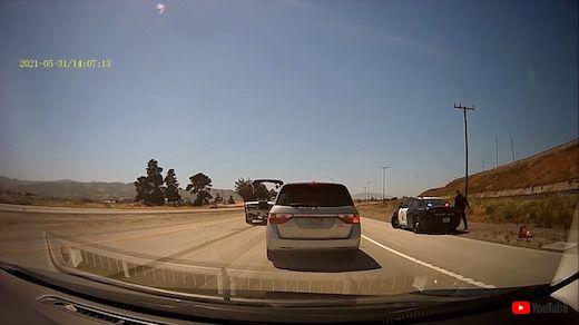 高速道路 渋滞 警察 緊急車線 路肩 入れ食い 違反