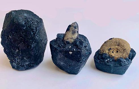 手洗いで発掘作業したい! 使い続けると化石や天然石が姿を見せる石けんに商品化希望の声が殺到