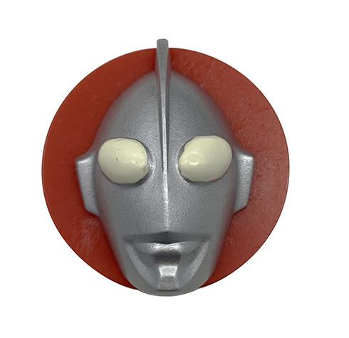 ウルトラマンの顔面がキャップに張り付いた強烈な見た目のコラボ製品 アンメルツが55周年記念の限定品を発売