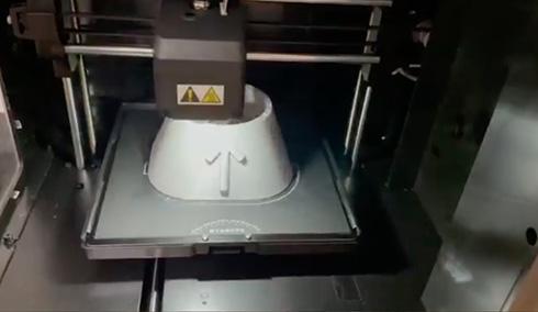 食洗機のボトル給水でビチャビチャ→「イラっときたので作った」 3Dプリンタですっきり解決した方法にいいね殺到