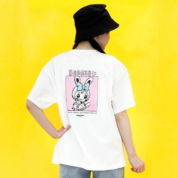バックプリントTシャツにはベリエちゃんが大きくプリントされています