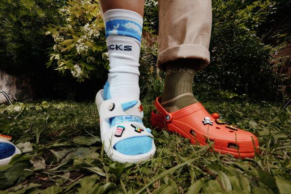 クロックス 靴下 あり なし 論争 ソックス