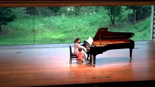 ピアノ 発表会 子ども 息子 ステージ 乱入 ハプニング
