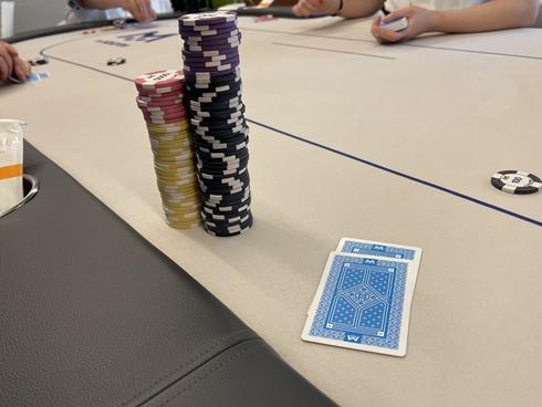 エムホールデム ポーカー