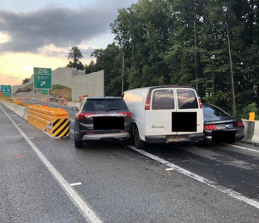 事故 海外 マスタング フォード GMC サバナ アカディア