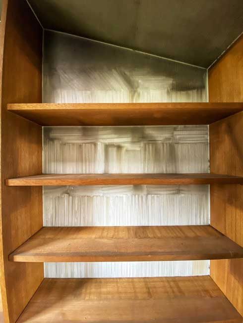 遺品整理 本棚 煙 跡 本の亡霊たち