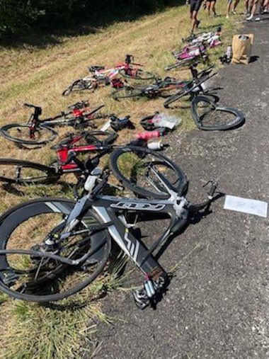 自転車 サイクリスト ピックアップトラック 事故 事件 ローリングコール