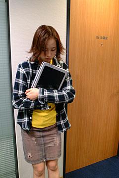 ho_hosono4_iri.jpg
