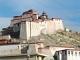 """失礼な! 電気は通っていますよ!!──チベットの""""大都市""""でIT事情を探る"""