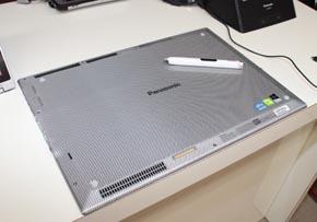 TOUGHPAD 4Kはグラスファイバーボディを採用