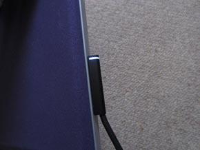新旧Surface RTのACアダプタ端子部