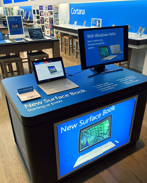 Microsoft StoreのSurface Book展示コーナー
