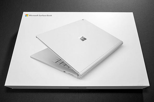 Surface Book�p�b�P�[�W�\��
