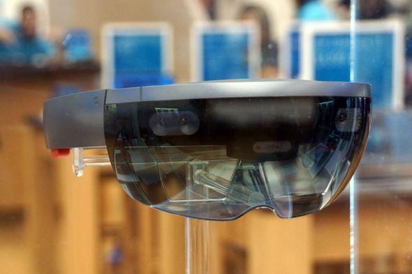 HoloLens�i2�j