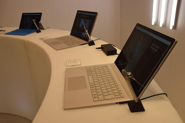 Surface Book��Surface Pro 4���p�ӂ����B�Ȃ��A�����Y�ق�Surface�w��͂ł��Ȃ�