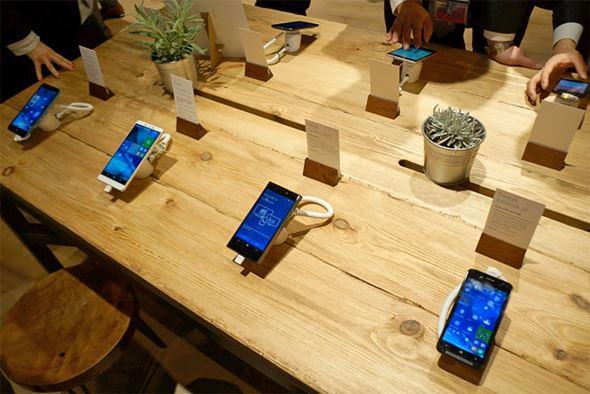 Windows 10 Mobileの展示コーナー