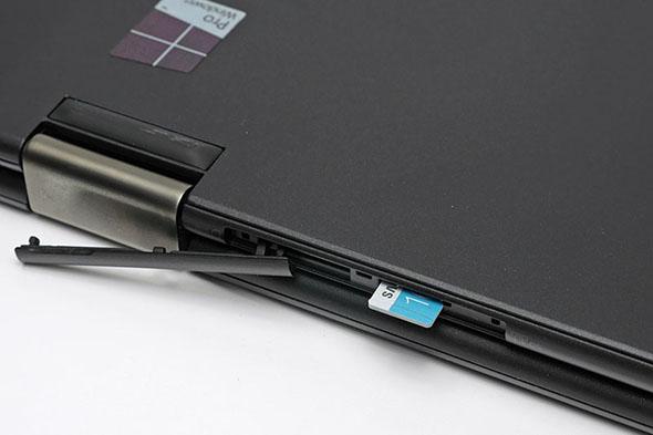 microSDメモリーカードスロット