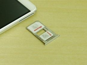 microSIMとnanoSIMを同時搭載