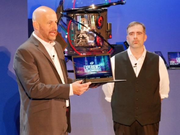 第8世代Core iを搭載する試作ノートPC