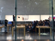 iPhone 8発売 アップルストア表参道に行列