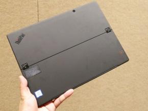 ThinkPad X1 Tablet(第3世代)の背面