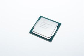 Core i9-10900K(表)