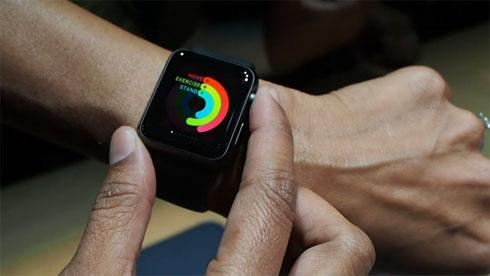 本命登場:実機の質感、操作感をチェックーー動画で見る「Apple Watch」