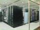 外気と排出熱の温度差を利用、自然換気で冷却できるデータセンター