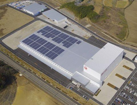 ホームセンター12カ所の屋根で太陽光発電、売電収入でLED照明に切り替え